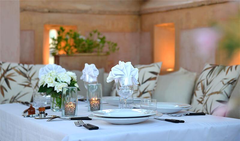 Dar Housnia table