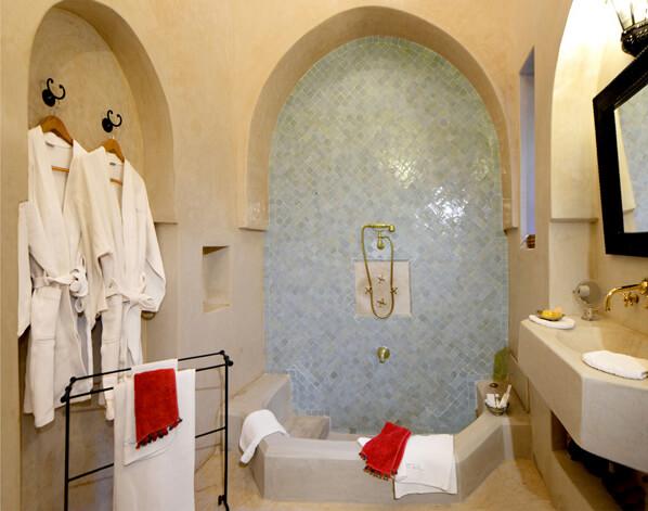 salle de bain suite Glaoui riad Dar Housnia