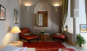 salon suite Glaoui riad Dar Housnia à Marrakech